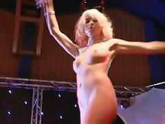 Mia Magma & Lena Nitro - Glad Weekend Gals