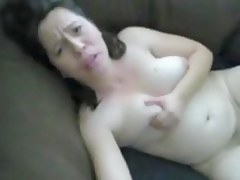 Breasty white mama likes the bbc