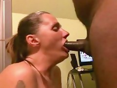Cute girlfriend fucked in first time sextape