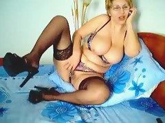 grannie no-see-em webbing livecam - two