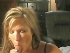 Cum hungry mature i'd in the mood for to charge from blow job