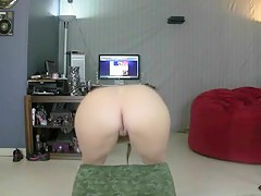 Twerking my sexy ass on camera