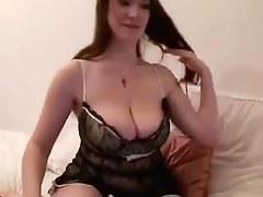 Hottie fondles her voluptuous body