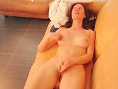 alice masturbation vis-�-vis