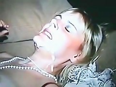 Fascinating wife tasting biggest load of bulls cum