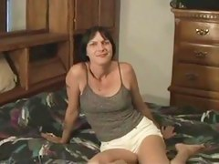 Cuckoldress Belle brings her hubby along