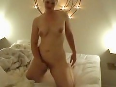 Masturbating and cumming on my gf