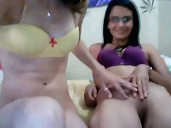 Hot teen lez sport greater than a webcam enactment