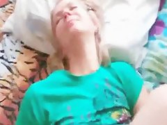 Creampie inside my light-complexioned wifes pussy crack