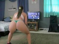 Shaking my big ass on camera