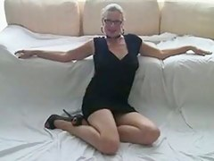 sexy milf i'd like nearby fuck back glasses play back her twat.