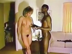 Mature cooky and her black bull in a motor hotel room