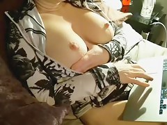 clittyclitty put forth record on 2/2/15 0:05 from chaturbate