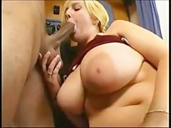 A Norwegian with big tits gets fucked less the train