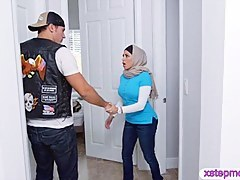 Two busty Arab ladies share a changeless cock more than make an issue of couch