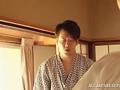 Hisae Yabe is a hot mature babe in cusp 69