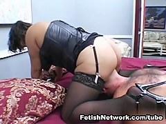 AmateurSmothering Video: Rough Ass Worship