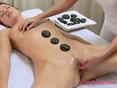 Pretty pussy of oiled massage ungentlemanly is opened alongside of G-spot orgasm