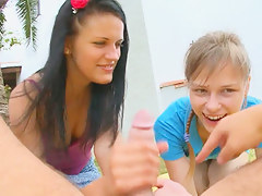 Two girlfriends Beata and Mia smoking me