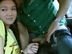 eighteen year old hotty receives gangbanged in the car