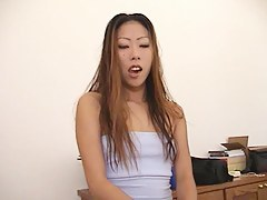 Video unfamiliar Mytinydick: Asian babe has entertainment in the office