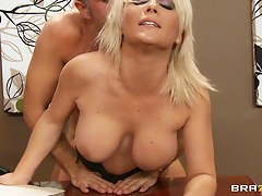 Beamy Tits readily obtainable Work: Swallowing her Boss