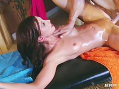 Dirty Masseur: I Ness Mama's Massage