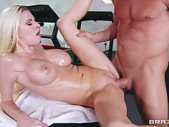 Dirty Masseur: Riley's Raunchy Rubdown