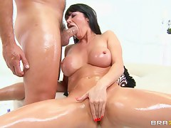 Big Wet Butts: Anal On Put away