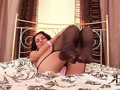 Gorgeous Anella does her arousing solo action