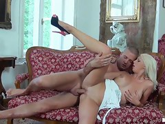 Hot blonde got her cunt ruptured and fucked hard