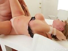 Anthony Rosano fucks curvy cougar Darla Crane