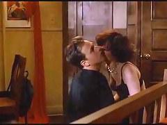 Katherine Kousi,Lara Flynn Boyle anent Threesome (1994)